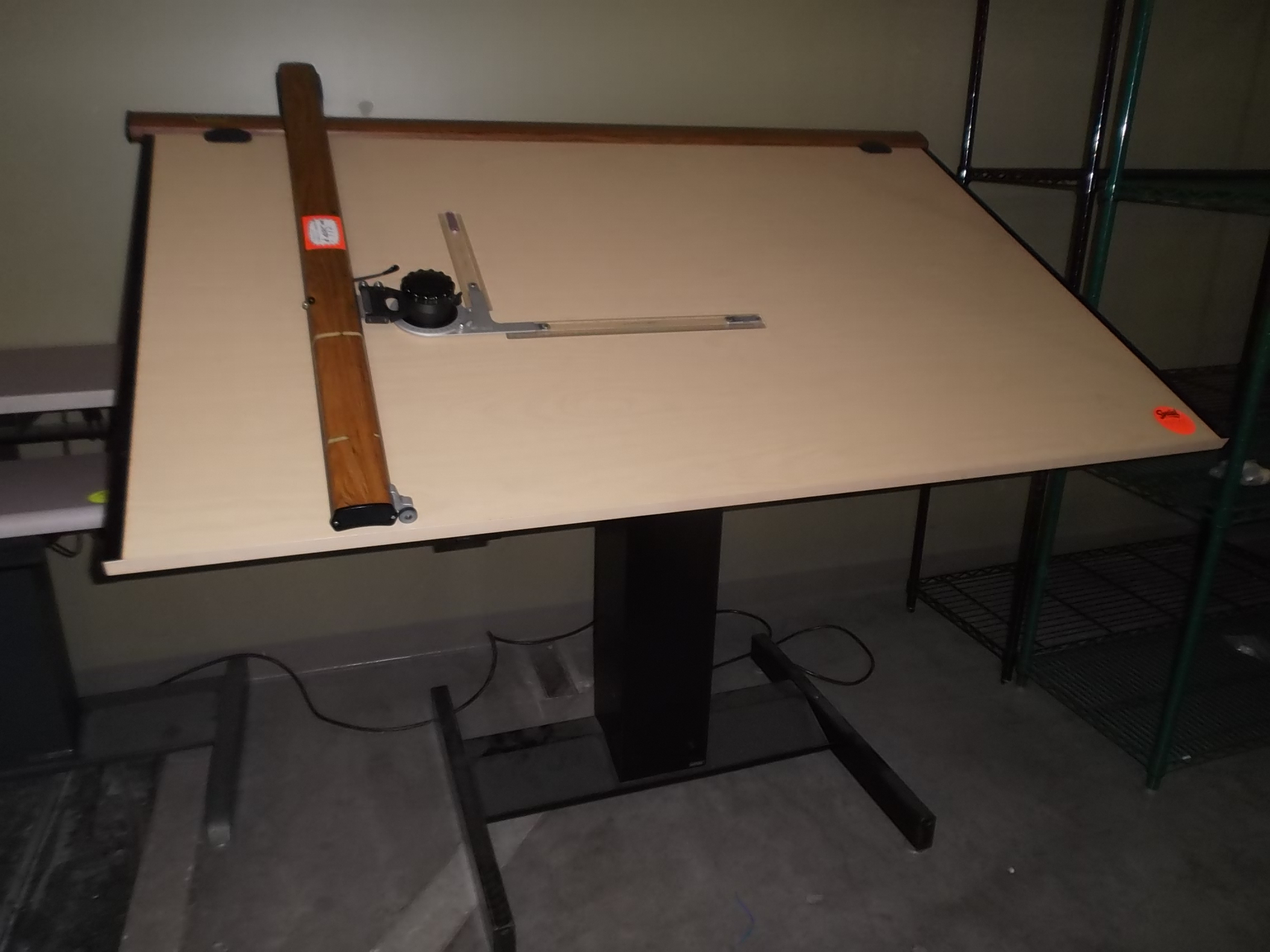 Drafting table dimensions - This Mayline Electric Height Adjustable Drafting Table Sells New For Over 3500 00 The Top Size Is 37 5 X 72 With A Manual Tilt Adjustment